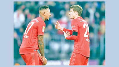 Bayern hit 5 past Schalke