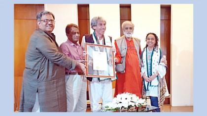 Int'l poetry evening held at Biswa Sahitya Kendra