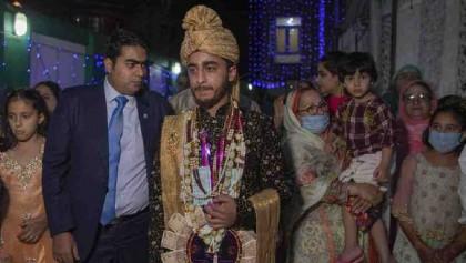 Coronavirus alters traditional Kashmir weddings