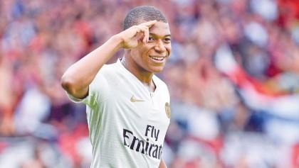 Mbappe shines on return to PSG side