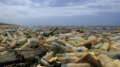 Oceans of garbage prompt war on plastics