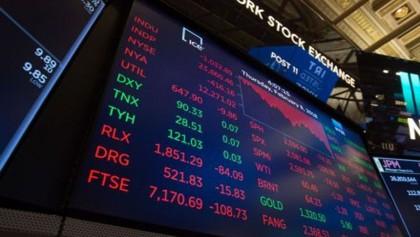 US stocks close week higher as rate hike fears abate