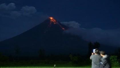 Erupting volcano sparks Philippine tourism boom