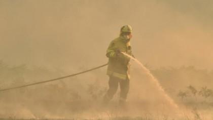Australian bushfire rekindle ideological fight over climate change