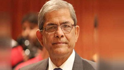 Mirza Fakhrul Islam Alamgir receives first Covid-19 vaccine jab