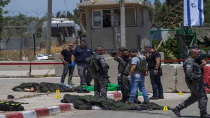 Palestinians, Israel police clash at Al-Aqsa Mosque; 53 hurt