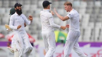 England 50-3 at stumps in Bangladesh Test