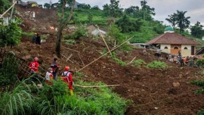Indonesia landslides death toll rises to 119