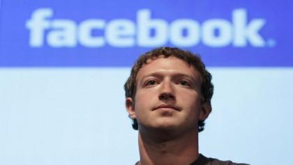 Zuckerberg fighting to save Facebook