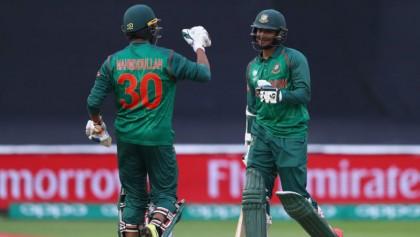 Shakib ton takes Bangladesh closer