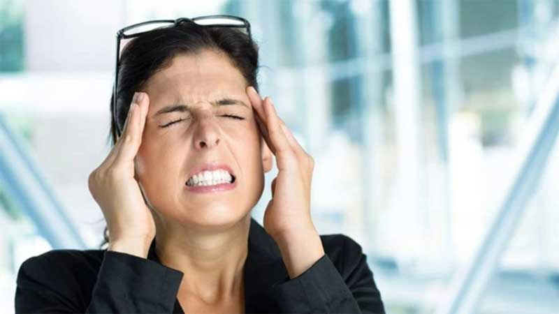 Tips to manage migraine at work