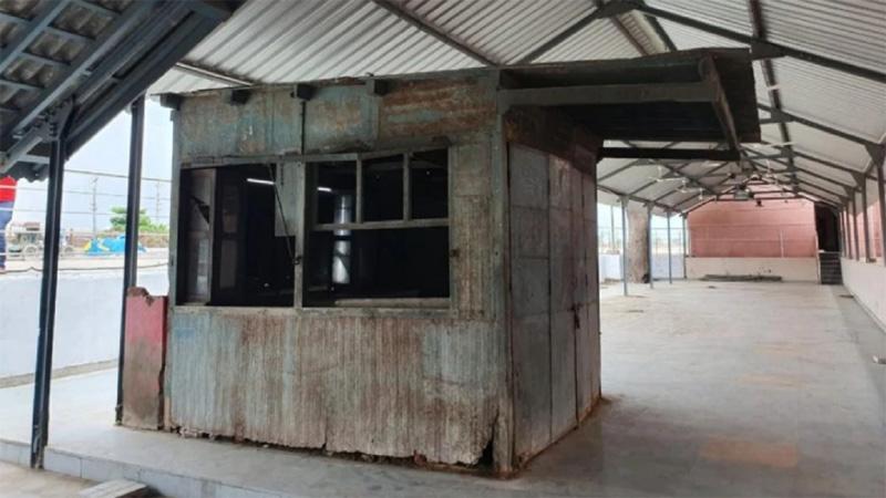Modi sold tea at Gujarat's Vadnagar stall now to be tourist spot