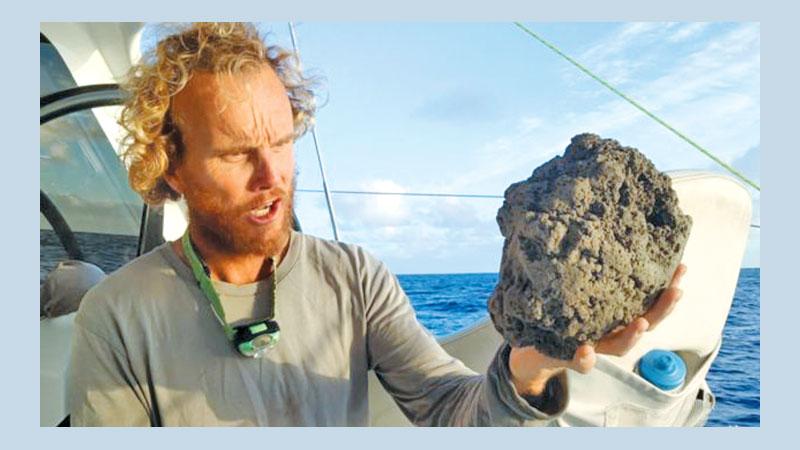 Vast 'pumice raft' found drifting through Ocean