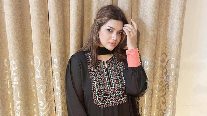 Khadija's 'Mirror Diva' creating possibilities for makeup artists
