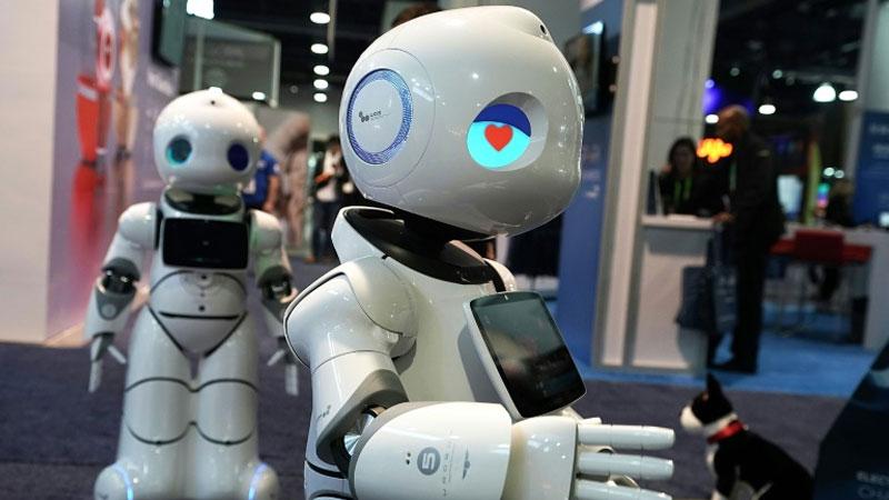 Amid tech turmoil, celebration at global electronics show