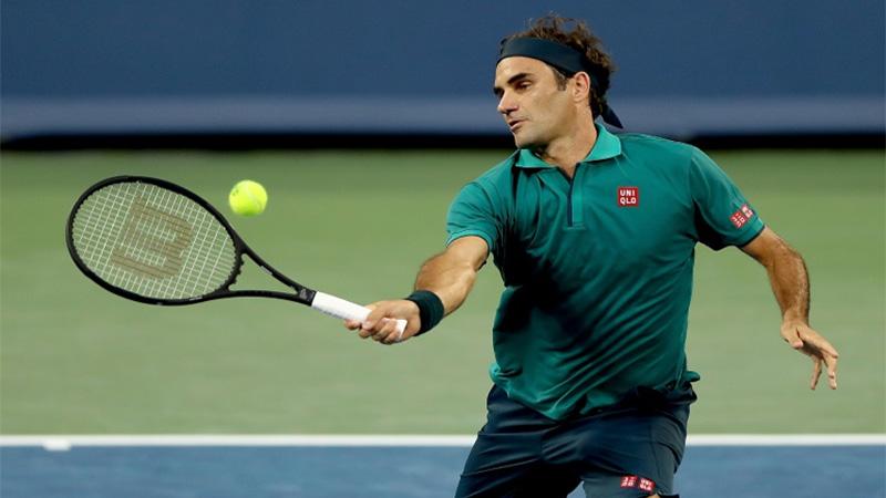 Federer, Djokovic advance as Serena pulls out in Cincinnati