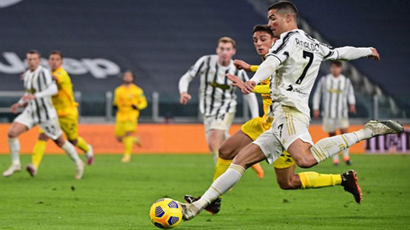 Ronaldo double lifts Juve, Atalanta stall before Liverpool trip
