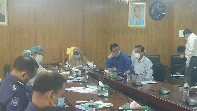 Munnujan Sufian asks jute workers to accept golden handshake