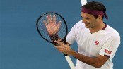 'Lucky' Federer stages great escape to reach Australian Open semis