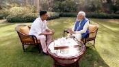 Modi gets 'candid' with Bollywood star Akshay