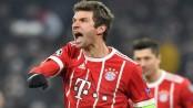 Mueller shines as Bayern thrash 10-man Besiktas