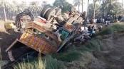 20 killed in Pakistan road crash