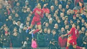 Van Dijk leads Liverpool title charge
