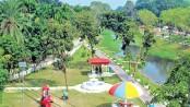 Police turns 'criminal den' into park
