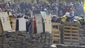 Ecuadorian president orders curfew, militarization in Quito