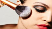 Get flawless natural make-up look in five steps