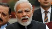 India's Modi slips, falls at Ganga Ghat