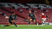 Arsenal beat Liverpool to end record bid