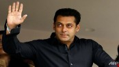 After uproar, Salman apologises for controversial tweets